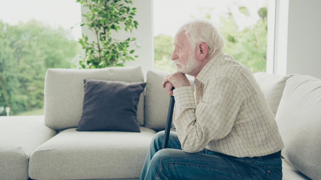 5 Dangers Seniors Face When Living Alone